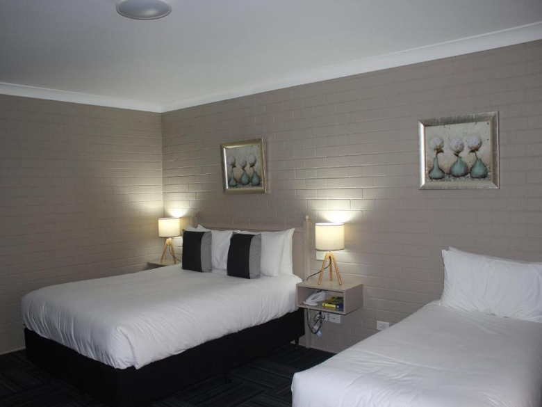 Queen SPA Room
